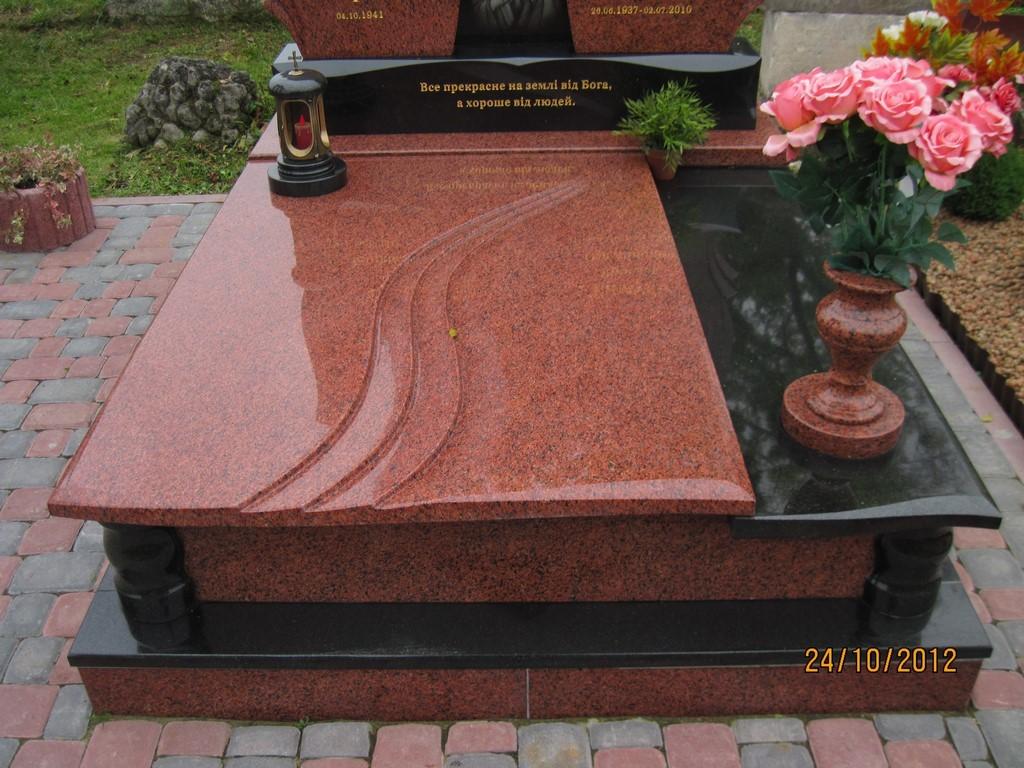 Догляд за гранітними і мармуровими пам'ятниками